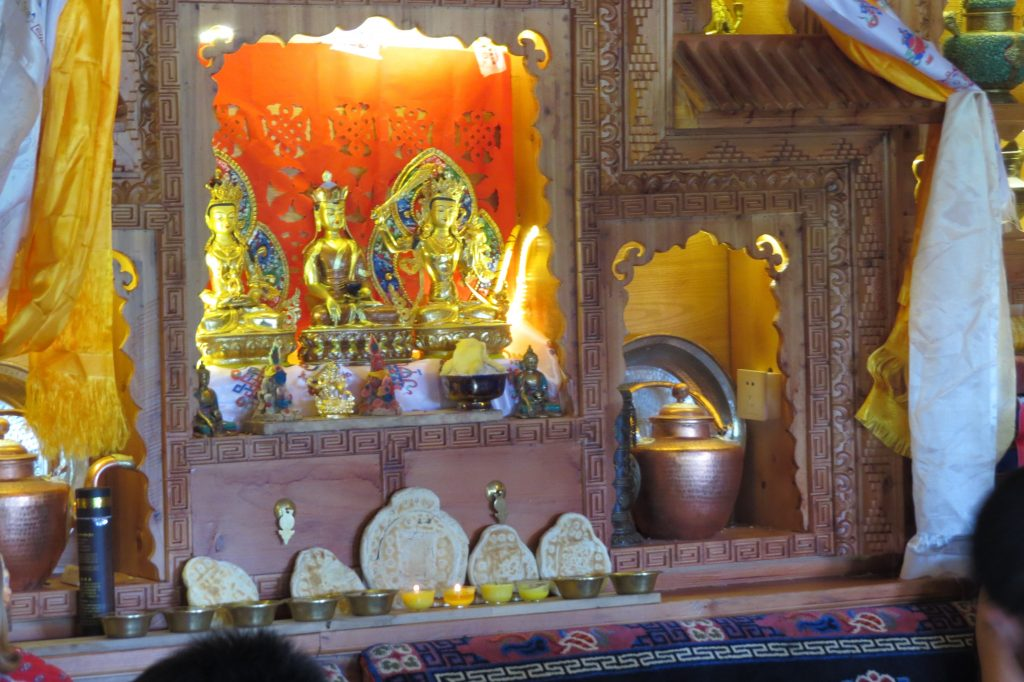 The shrine in the dinng room in the Amdo Guest house